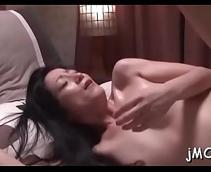 Beautiful mature gets on all fours and gets love tunnel licked